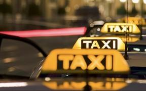 Таксистов предлагают не штрафовать за перевозку детей без автокресел