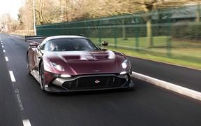 Теперь можно: Aston Martin Vulcan переделали в дорожный автомобиль