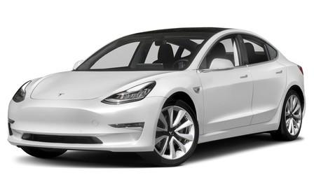 Tesla Model 3 автоматически останавливается на красный свет