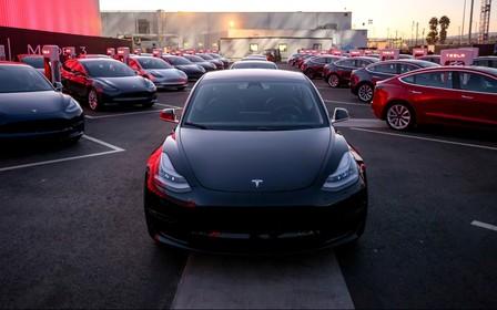 Tesla Model 3 — на втором месте по продажам в Европе. А кто первый?