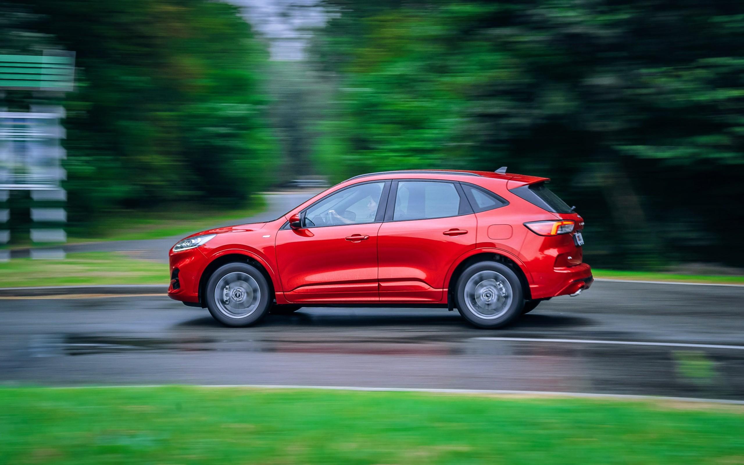 Тест-драйв Ford Kuga: Как за каменной стеной