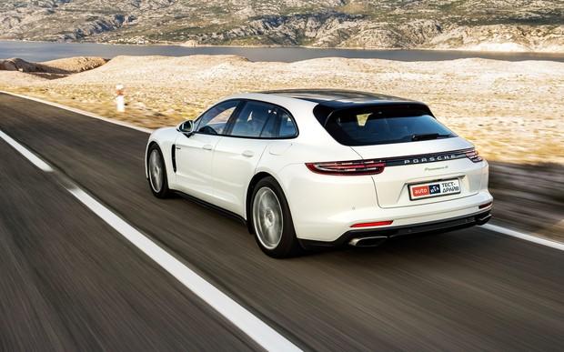 Тест-драйв Porsche Panamera Sport Turismo: Бес в ребро