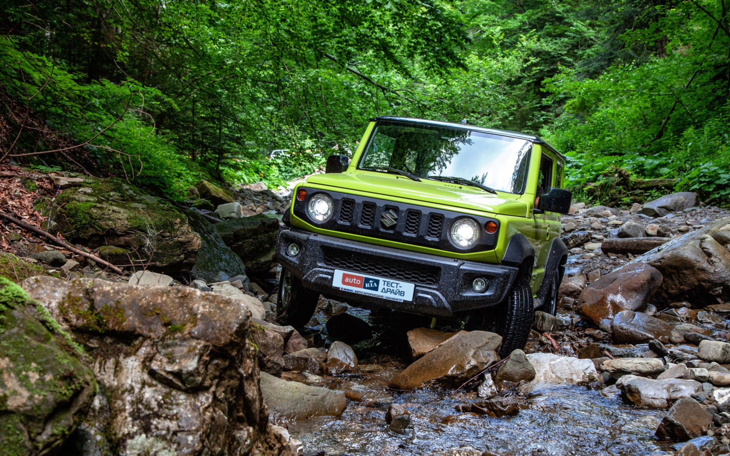 Suzuki Jimny: Каменные джунгли