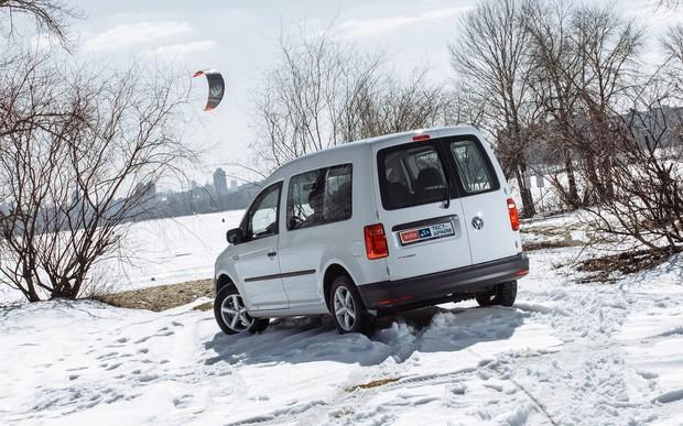 Фольксваген Кадди пас. 2017 тест драйв и обзор Volkswagen Caddy пасс.: Тест-драйв VW Caddy LPG: Ближе к народу
