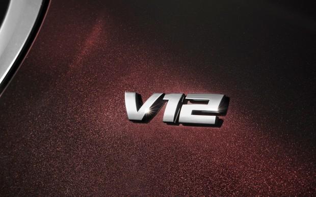 Топ-10 новых авто с мотором V12, которые еще можно купить