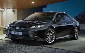 Toyota Camry в комплектации «Comfort» с выгодой до 40 653 грн