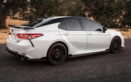 Toyota отзывает почти 6 млн. машин. В чем дело?