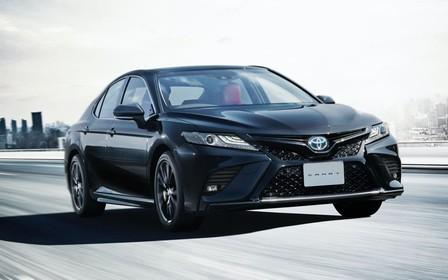 Toyota представила спецверсию Camry Black Edition... трех цветов