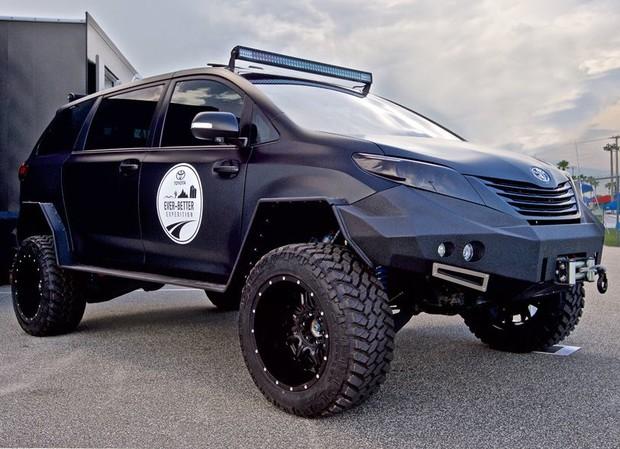 Toyota привезет на Тюнинг-шоу SEMA внедорожный минивэн
