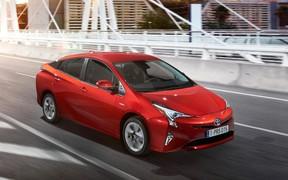 Toyota рассказала о новом поколении гибрида Prius