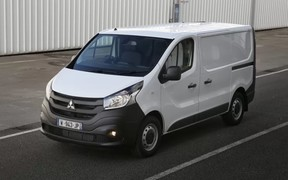 У Mitsubishi появился «бус» на базе Renault Trafic