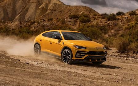 «Урус шайтан»! Кроссовер Lamborghini Urus гонит, как суперкар. ВИДЕО