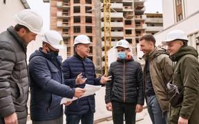 Ускорение и контроль: Игорь Кушнир завершил очередной оъезд строительных площадок компании
