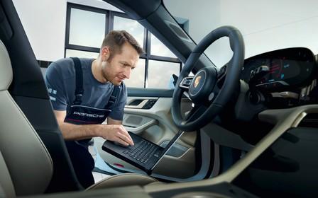 Вже в Україні: ще 3 роки заводської гарантії на всі автомобілі Porsche