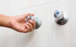 В 2 600 многоэтажек Киева вернули горячую воду