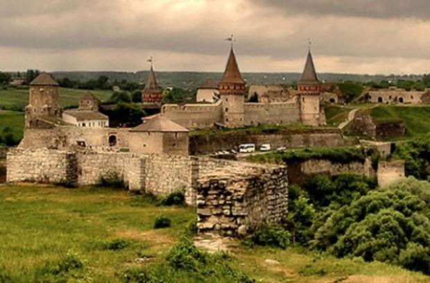 В Каменец-Подольской крепости восстановят башню