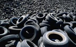 В Киеве открылись 10 пунктов приема отработанных шин