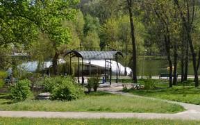 В Киеве запретили застраивать Голосеевский парк