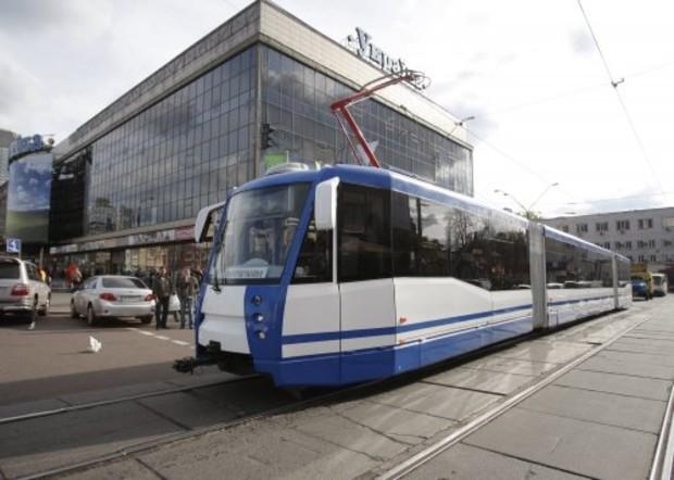 В Киеве заработала обновленная линия скоростного трамвая