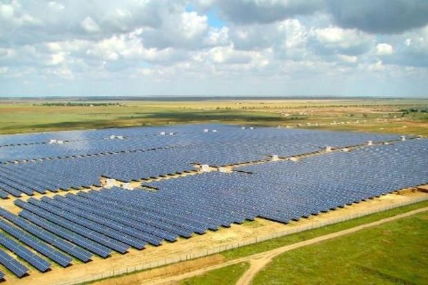 В Крыму продолжают строить солнечные парки