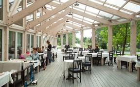 В новых парках будут строить магазины и кафе