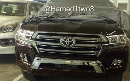 В сети появились фотографии обновленного Toyota Land Cruiser