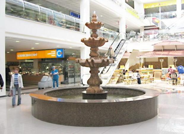 В столице строят новый торговый центр с фонтанами