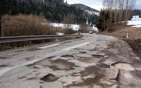 В Украине на ремонт дорог тратят вдвое больше, чем в Словакии