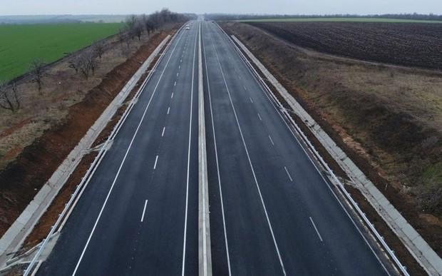 В украинские дороги нужно вложить целый триллион (1 000 000 000 000) гривен