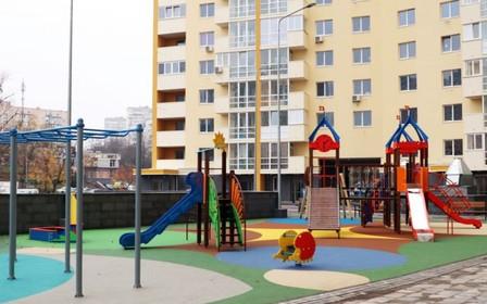 В ЖК «Новомостицкий» закончили благоустройство территории