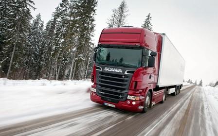 Въезд крупногабаритного транспорта в Киев закрыли из-за снегопадов