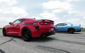Видео: Dodge Challenger Hellcat сразился с Chevrolet Camaro SS в дрэг-рейсинге