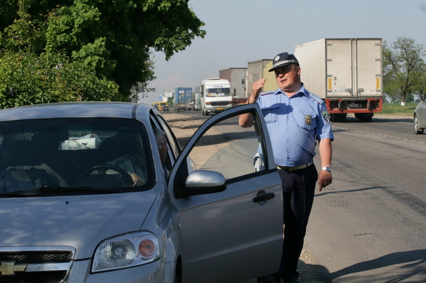 Видеосъемка инспекторов ГАИ теперь чревата арестом на 15 суток