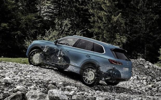 Відтепер, VW Touareg позиціонується виробником як середньорозмірний кроссовер!
