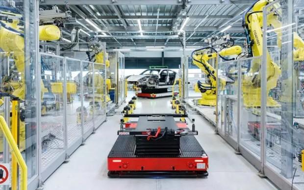 Виробництво Porsche Taycan стартувало вчасно й без затримок