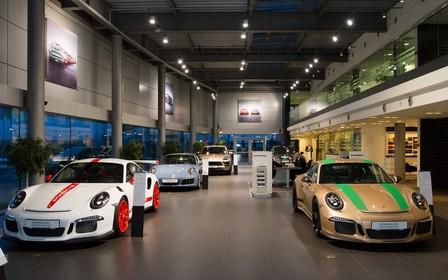 Виставка автомобілів від ательє Porsche Exclusive