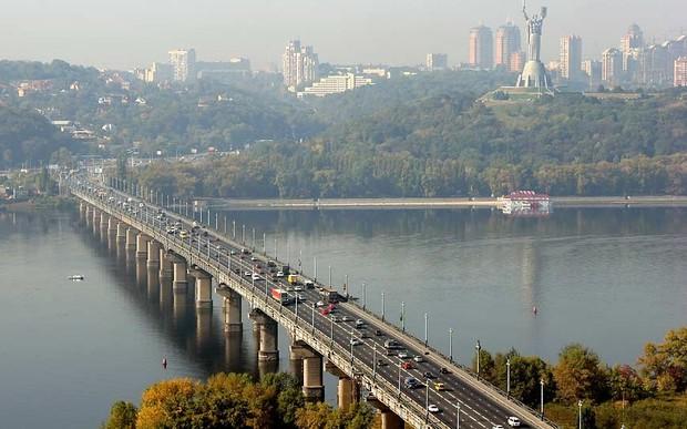 ВНИМАНИЕ. Движение на левобережной развязке моста Патона ограничено