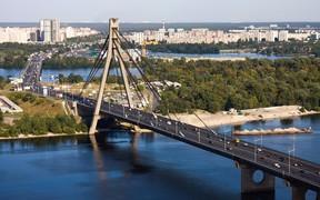 ВНИМАНИЕ: В Киеве на Московском мосту на три дня ограничивают движение