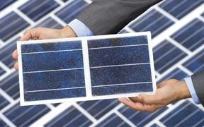 Во Франции хотят строить дороги из солнечных панелей