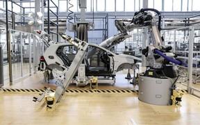 Volkswagen 4.0 - виробничі системи завтрашнього дня розробляються в Gläserne Manufaktur в Дрездені