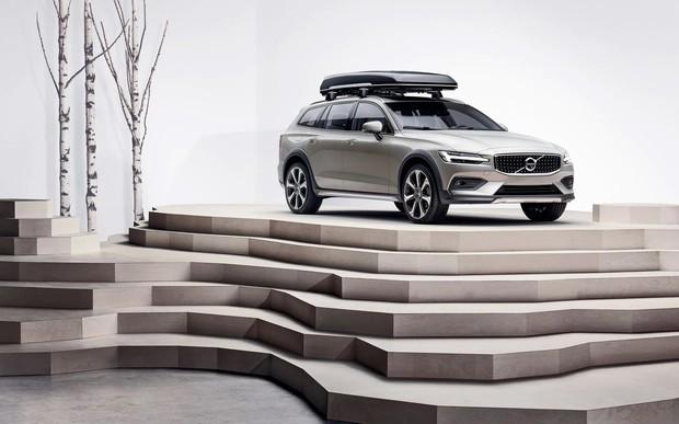 Volvo V60 Cross Country по специальной цене от 1 269 588 гривен*