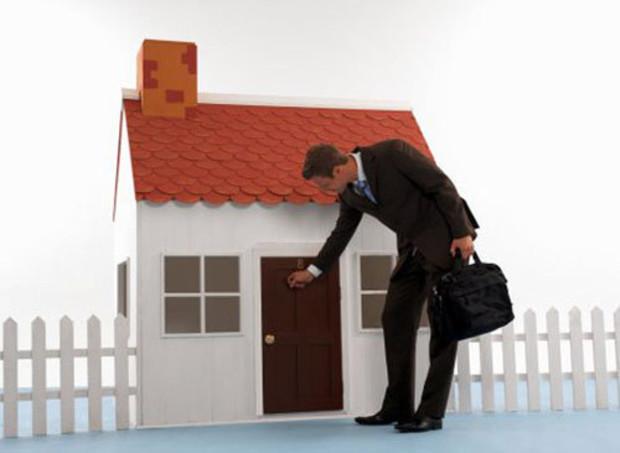 Ввод жилья сократится более чем на половину
