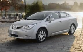 Выбираем б/у авто. Toyota Avensis (T270)