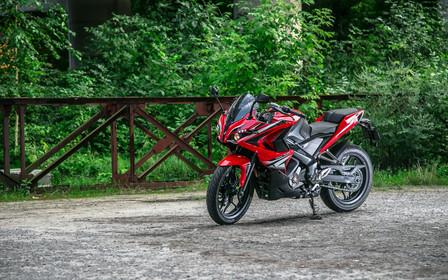 Выскочка. Тест-драйв Bajaj Pulsar RS