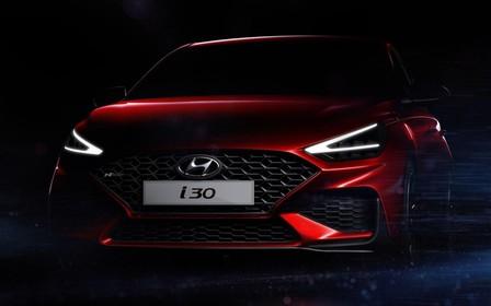 Высунул нос. В Сети появились первые фотографии нового Hyundai i30