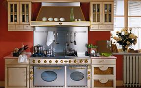 Вытяжка на кухне – декор или необходимость?