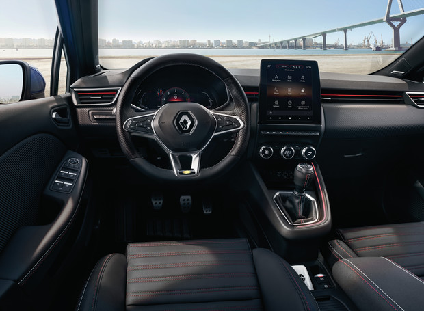 «Вывернули внутренности». В Renault рассекретили интерьер нового Clio