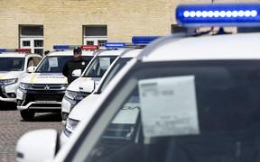 Взяли на сдачу. Еще 83 гибридных  «Аутлендера» передали полиции