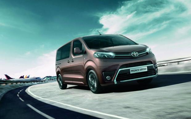 «З 14 січня в офіційній дилерській мережі Toyota в Україні розпочнуться тест-драйви комерційної лінійки, представленої пасажирським фургоном Proace Verso та вантажним - Proace Van.»