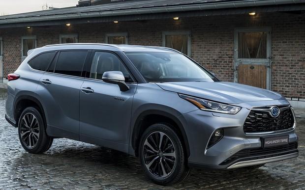 З 19 по 23 березня 2021 року тест-драйв Toyota Highlander 2021 гібрид в Артсіті Тойота